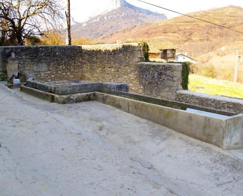 Fuente, lavadero y abrevadero de Bujanda / Bujandako iturria, ikuztegia eta edaska