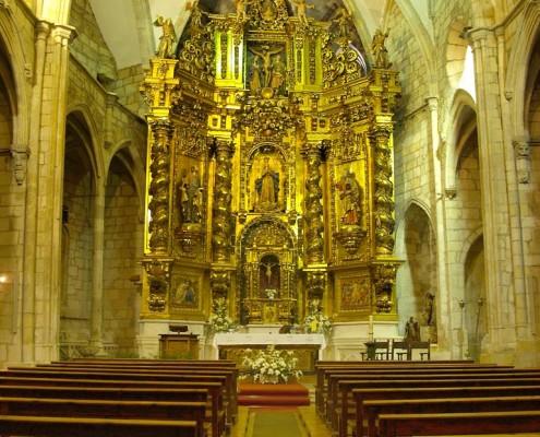 Interior de la iglesia de la Asunción de Nuestra Señora de Santa Cruz de Campezo / Santikurutze Kanpezuko Andre Mariaren Jasokundea Elizaren barrualdea