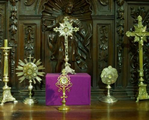 Relicarios de la iglesia de la Asunción de Nuestra Señora de Santa Cruz de Campezo / Santikurutze Kanpezuko Andre Mariaren Jasokundea Elizaren erlikiontziak