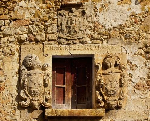 Casa con escudos en Orbiso / Armarriak dituen etxea Orbison