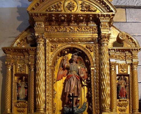 Altar de San Miguel Arcángel de la iglesia de San Mamés de Oteo / Oteoko San Mamés Elizako San Miguelen aldarea